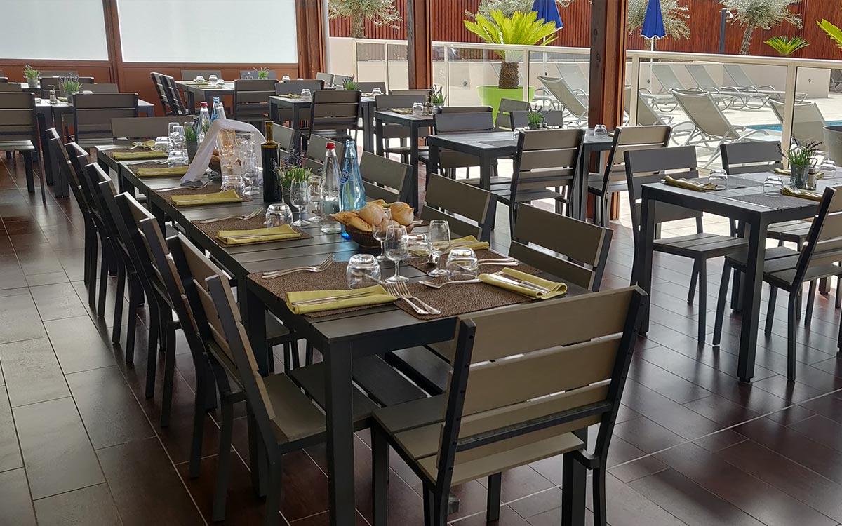 terrasse extérieur restaurant